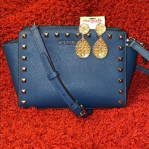 🔥🔥NEW🔥🔥Michael Kors Studded Selma Messenger🔥